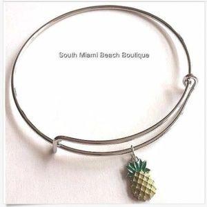 Jewelry - Silver Pineapple Wire Charm Bracelet Adjustable